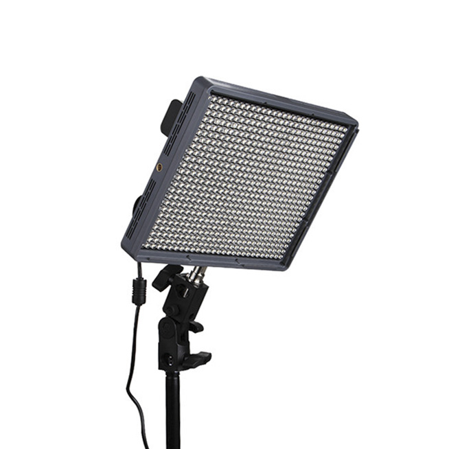 aputure_amaran_hr672c_bi_color_led_1431429624_1146128